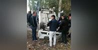Бишкекте жол кырсыгына кабылган автоунаа оодарылып калды. Видео