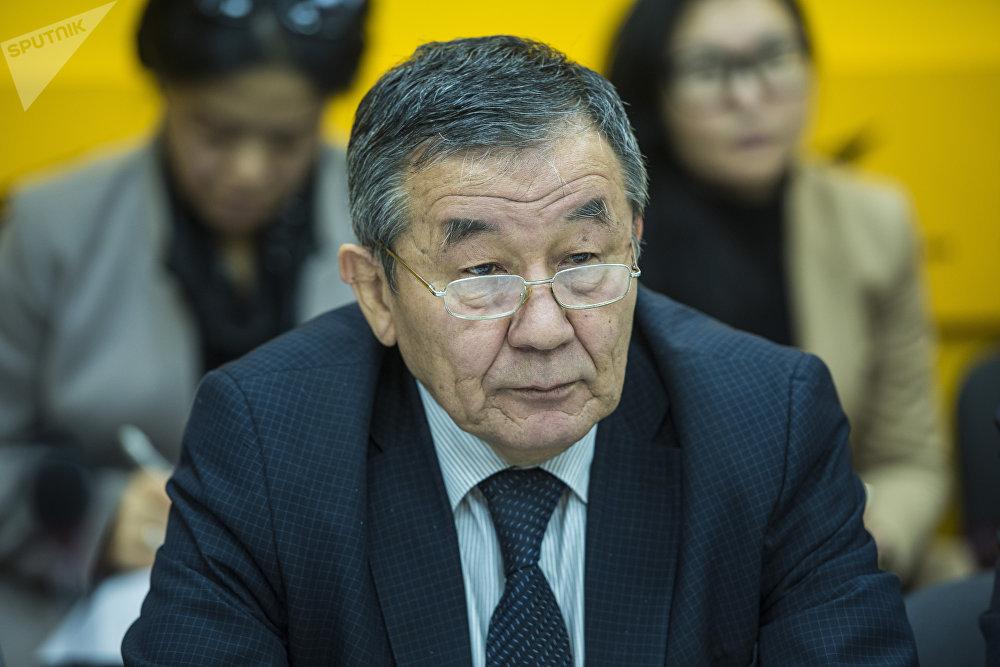 Представитель Агентства гражданской авиации (АГА) Алымбай Абакиров
