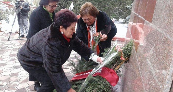 Сегодня, 19 октября, в городе Караколе отметили 100-летие со дня создания Всесоюзного ленинского коммунистического союза молодежи (ВЛКСМ)
