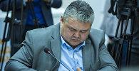 Жарандык авиация агенттигинин башчысы Курманбек Акышев. Архивдик сүрөт