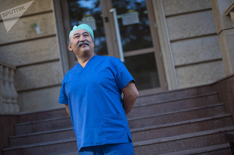 Пластический хирург Муса Матеев во время фотосета