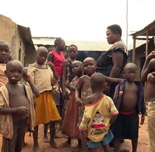 Женщина родила 44 ребенка — первенец появился в 13 лет. Репортаж из Уганды