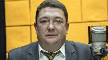 Директор Национального русского театра драмы имени Ч. Айтматова Евгений Кузнецов во время беседы на радио Sputnik Кыргызстан