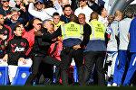 Главный тренер Манчестер Юнайтед Жозе Моуринью устроил потасовку на игре его футболистов с Челси.