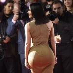 Ким Кардашьян на американской премьере фильма Обещание в Лос-Анджелесе.