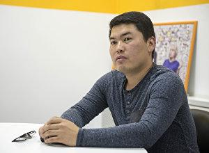 Предприниматель Айтмат Эшболотов во время интервью корреспонденту Sputnik Кыргызстан