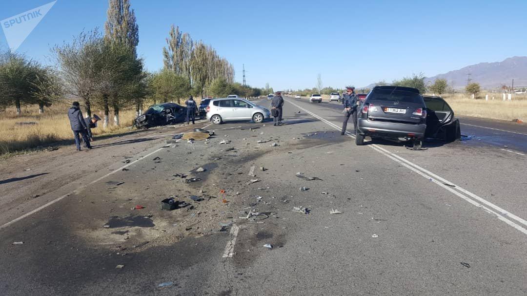 Последствия ДТП в Кеминском районе Чуйской области