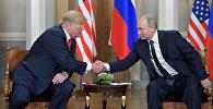 Россия президенти Владимир Путин менен АКШнын президенти Дональд Трамп. Архив