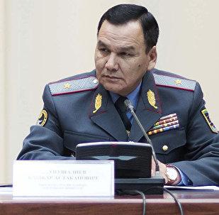 Архивное фото министра внутренних дел Кашкара Джунушалиева