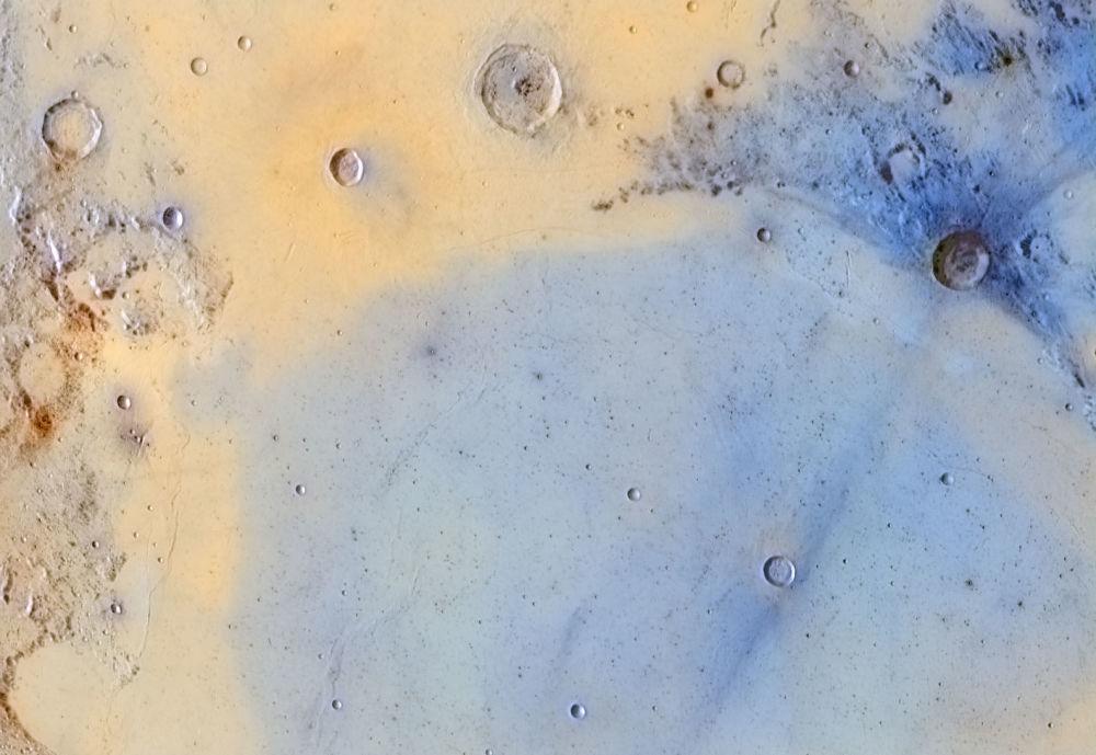 Снимок поверхности Луны, сделанный испанцем Хорди Делпеи Борреллом, победил в номинации Наша Луна