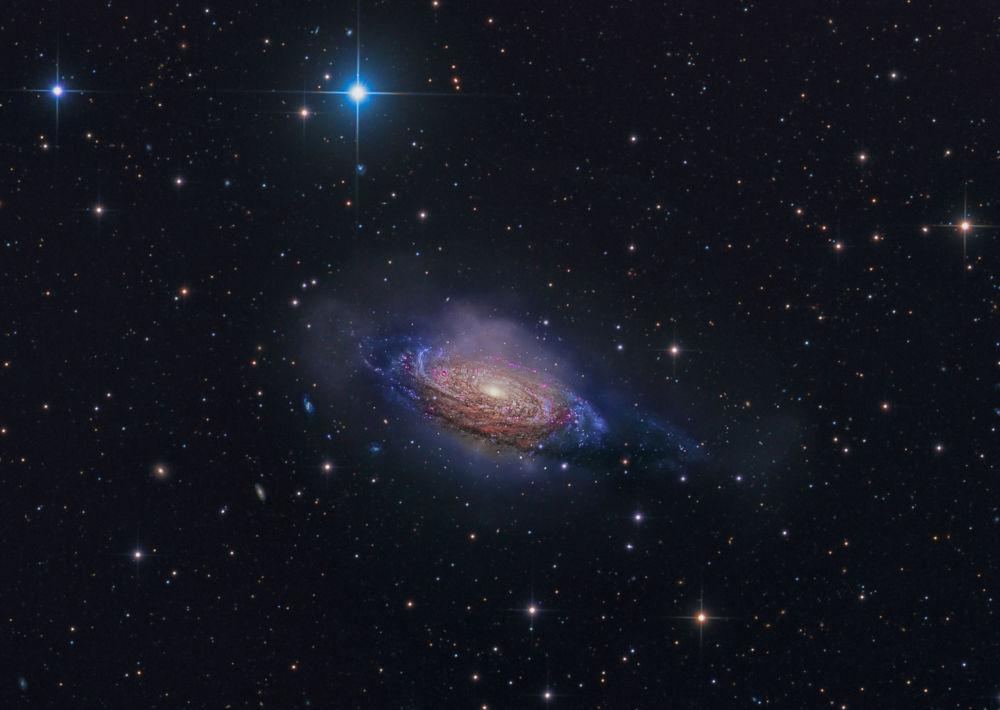 Снимок загадочной спиральной галактики NGC 3521, сделанный Стивеном Мором, победил в номинации Галактики