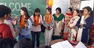 Занятия для школ в Индии преподавателей ОшГУ