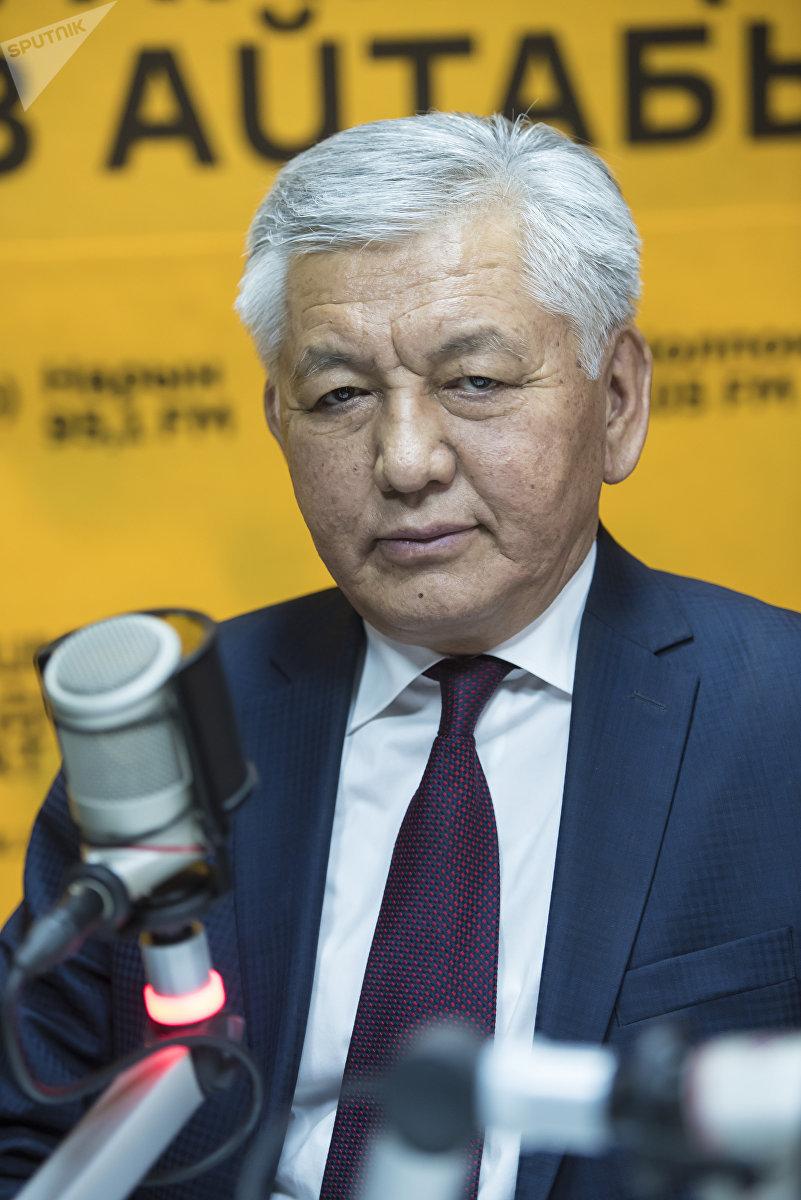 Депутат ЖК, лидер фракции СДПК Иса Омуркулов во время интервью на радиостудии Sputnik Кыргызстан