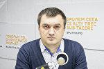 Эксперт в области информационной безопасности Константин Склифос во время беседы на радио