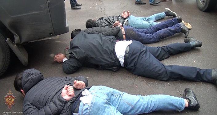 Москвада теракт даярдап жаткан согушкерлер кармалды. Видео