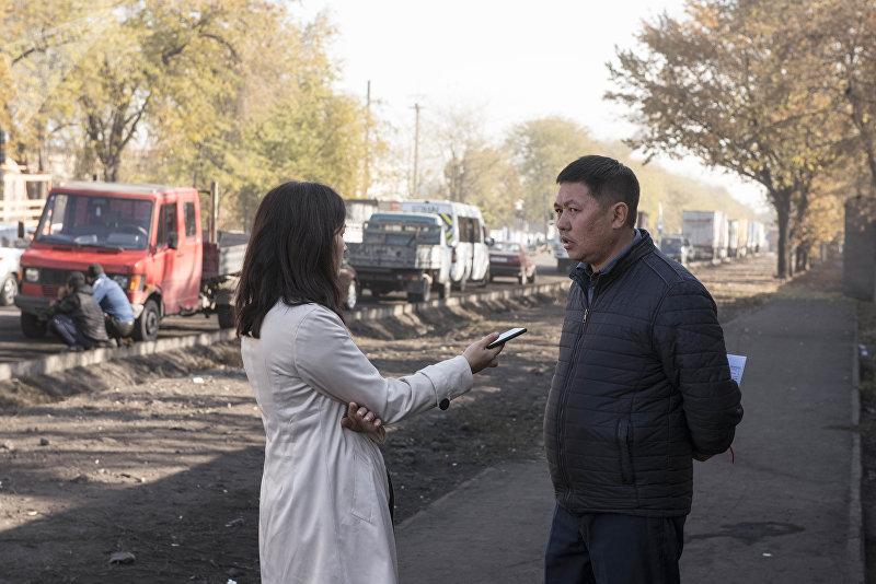 Главный специалист Кыргызкомура по топбазам Нурлан Омошев во время интервью