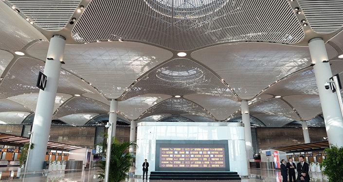 Аба майдан толук ишке киргиче Ата Түрк аэропорту иштеп турат