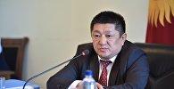 Саламаттыкты сактоо министри Космосбек Чолпонбаев. Архивдик сүрөт