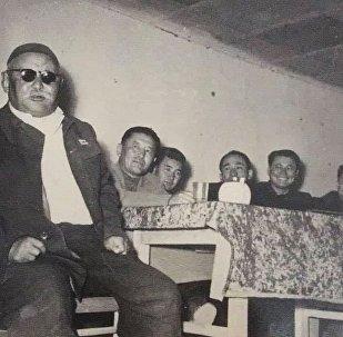 Народный артист Киргизской ССР, манасчи Саякбай Каралаев