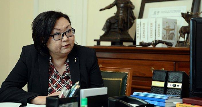 Президенттик аппараттын Жарандык өнүктүрүү жана этностук саясат бөлүмүнүн экс башчысы Мира Карыбаева. Архив