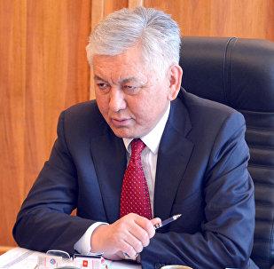 ЖК депутаты Иса Өмүркулов. Архив