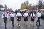 Пресс-служба УОБДД Чуйской области распространила фотографии детей, участвовавших в акции за безопасность дорожного движения
