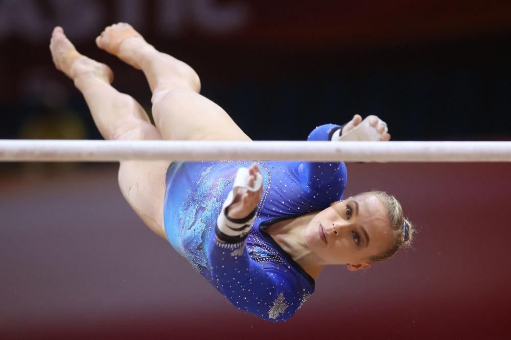 Гимнастка из Канада Элизабет Блэк