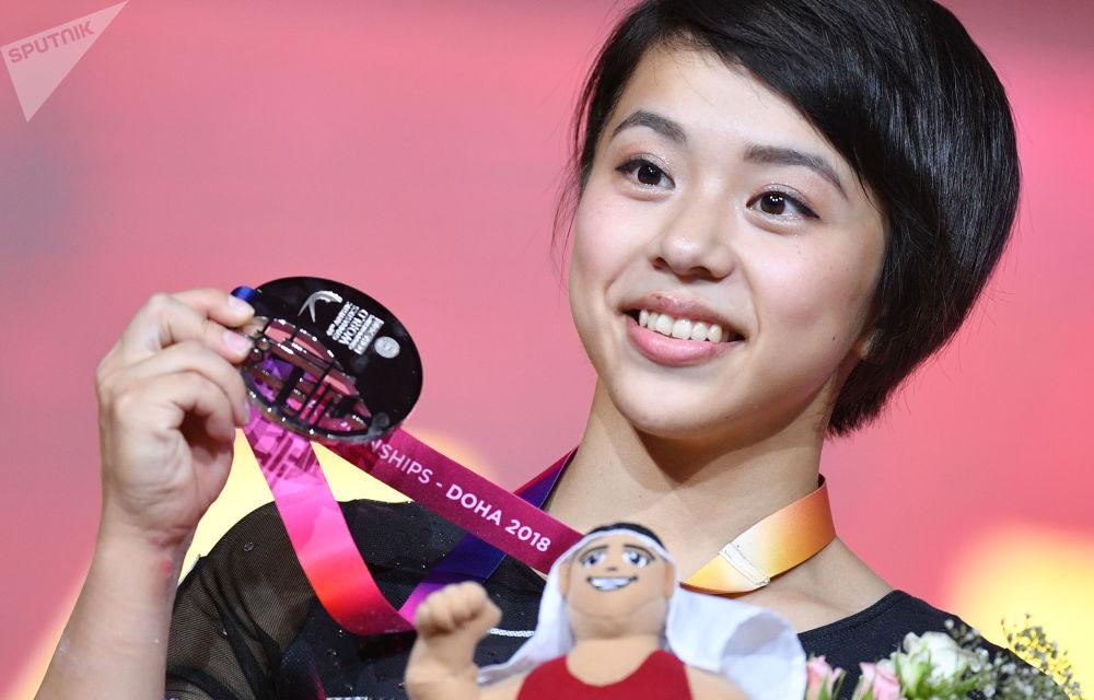 Маи Мураками завоевала серебряную медаль в индивидуальном многоборье среди женщин