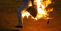 Мужчина объятый огнем. Иллюстративное фото