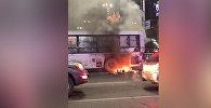 Бишкектин чок ортосунда эл ташыган автобустан өрт чыкты. Видео