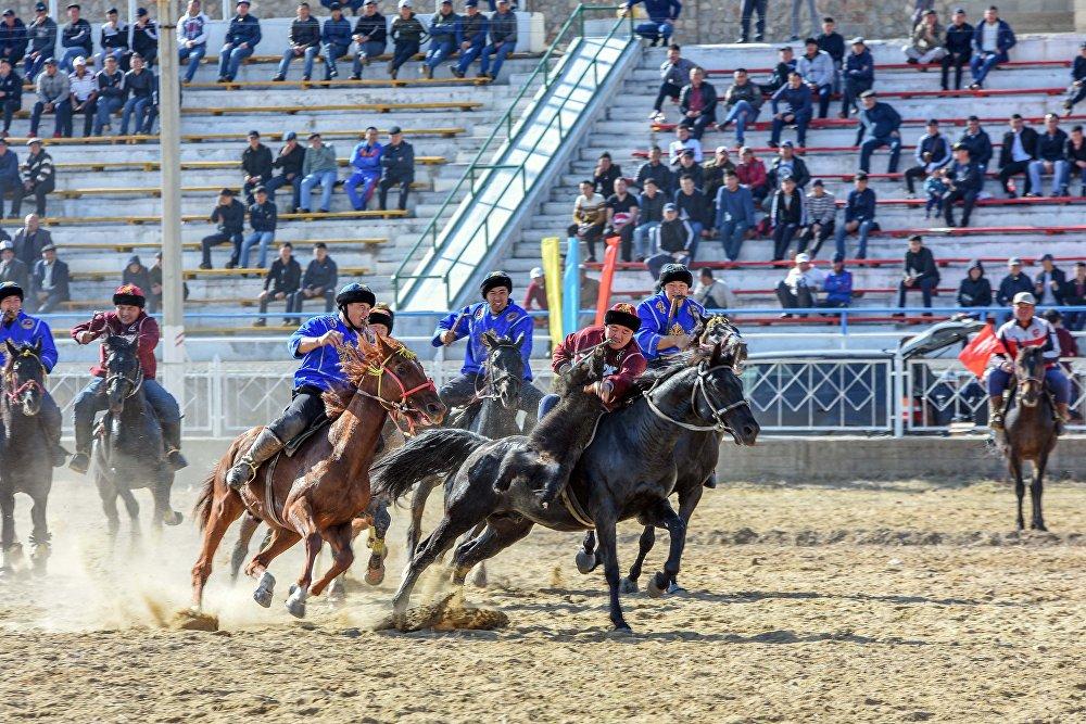 Көк бөрү боюнча Кыргызстандын чемпионаты соңку жылдары өткөрүлбөй калган болчу. Быйыл Чыңгыз Айтматовдун 90 жылдыгына карата уюштурулду.