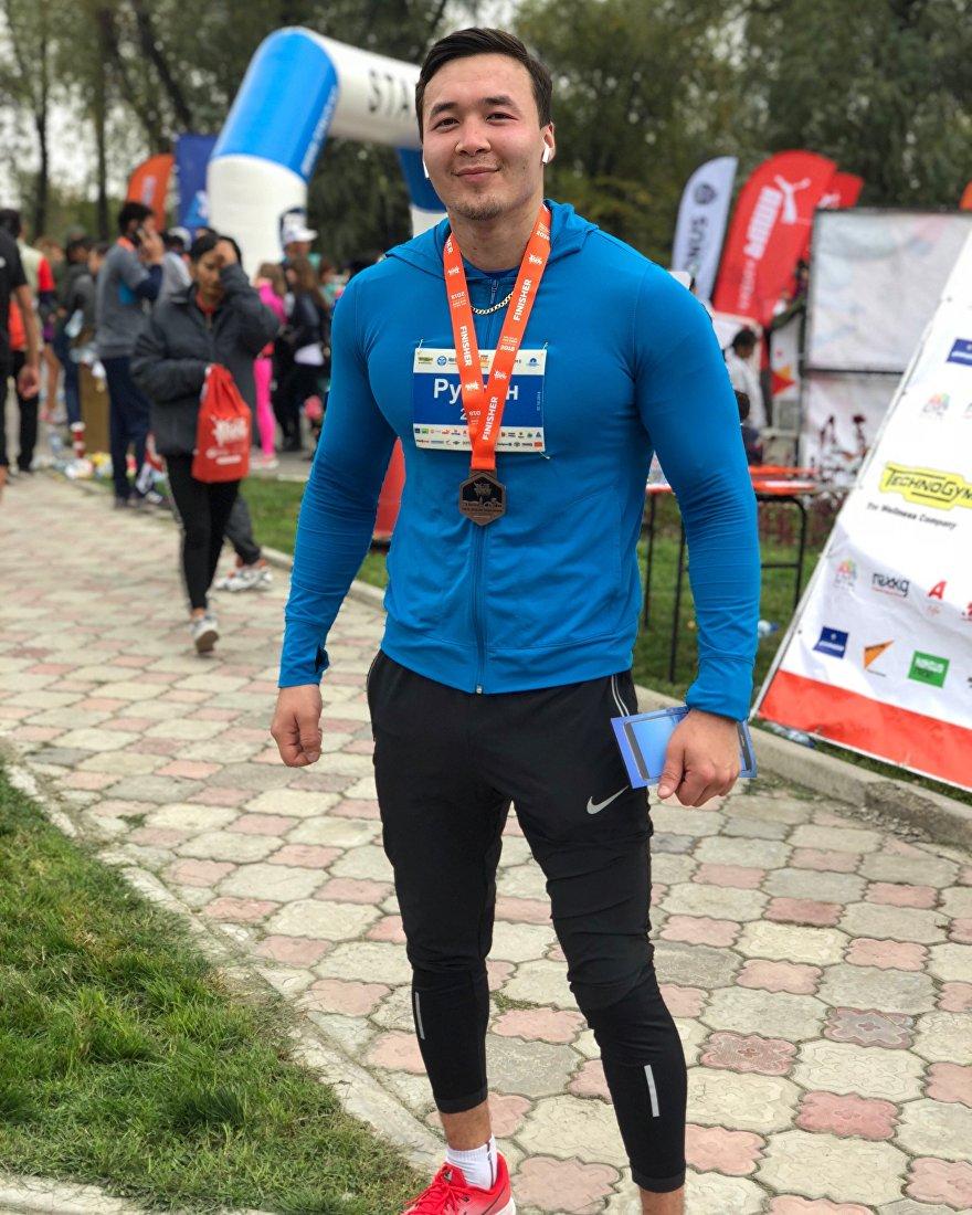 Мастер спорта, чемпион Азии по пауэрлифтингу, чемпион Кыргызстана по бодибилдингу Руслан Жарматов