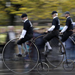 Традиционная гонка на старинных велосипедах в Чехии
