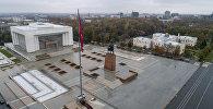 Вид на центральную площадь Ала-Тоо в городе Бишкек с высоты