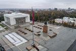 Вид на центральную площадь Ала-Тоо в городе Бишкек с высоты. Архивное фото