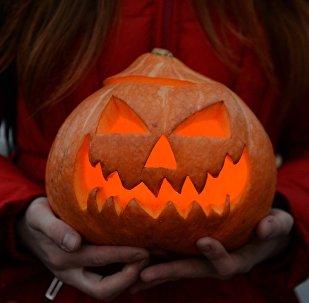 Хэллоуин майрамы. Архивдик сүрөт