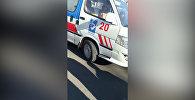 Скорая столкнулась с двумя авто в Бишкеке — видео после ДТП