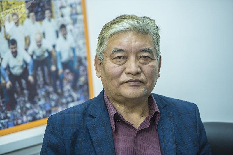 Известный кыргызский телеведущий Олжобай Токтосунов