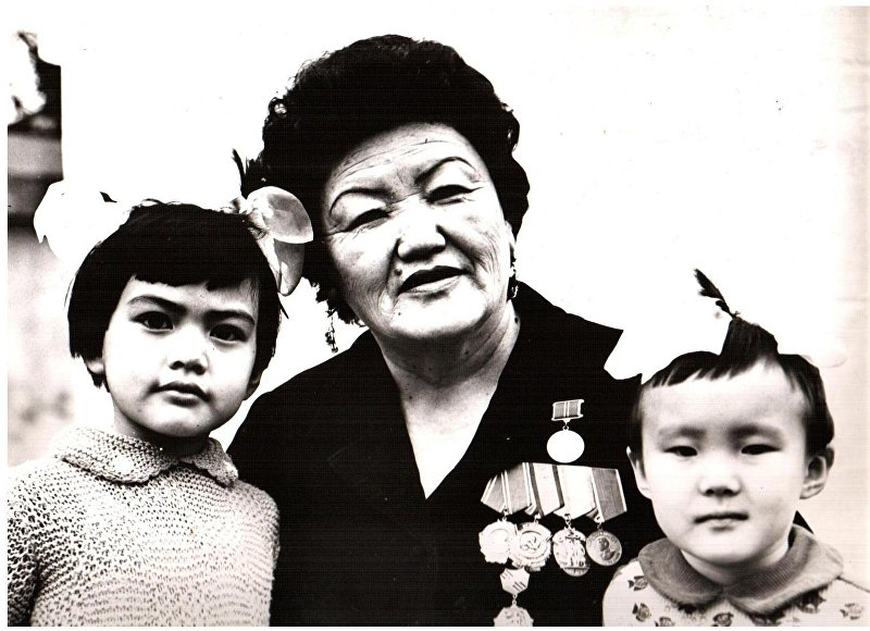 Архивные фотографии народной артистки СССР, оперной певицы Сайра Кийизбаевой