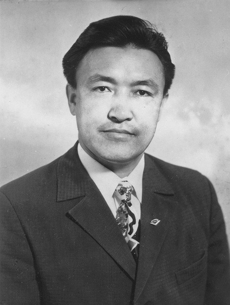 Насирдин Исанов — государственный деятель и первый премьер-министр Кыргызстана, академик инженерной академии СССР.