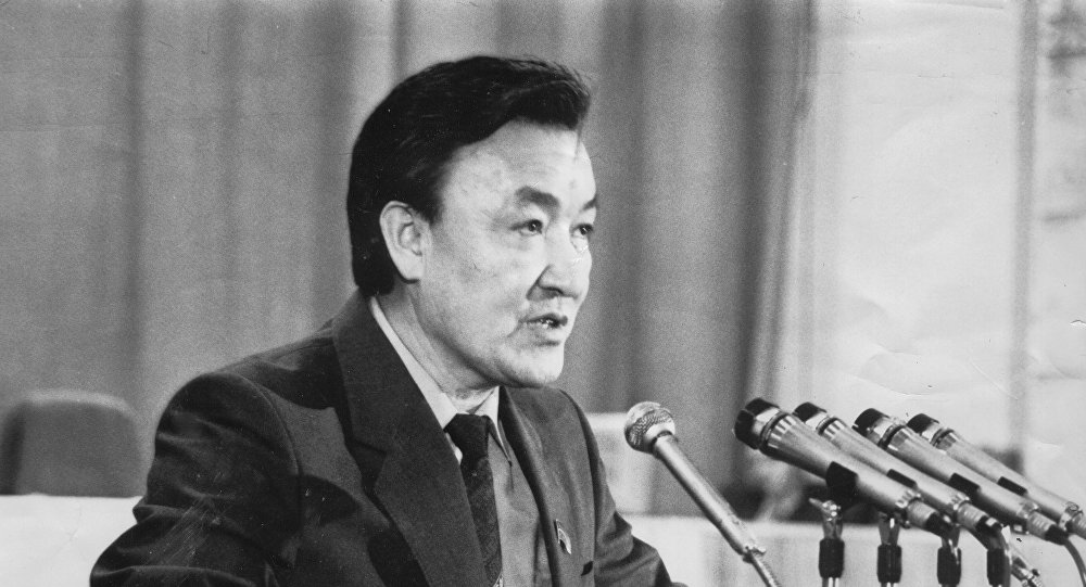 Государственный деятель и первый премьер-министр Кыргызстана, академик Инженерной академии СССР Насирдин Исанов. Архивное фото