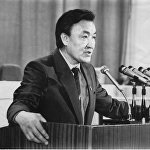 Парламентте сөз сүйлөгөн Кыргызстандын туңгуч премьер-министри