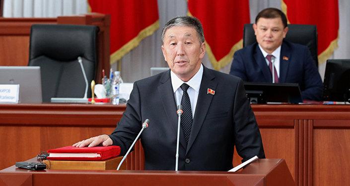 Депутат от фракции РАЖ Тариел Жоробеков