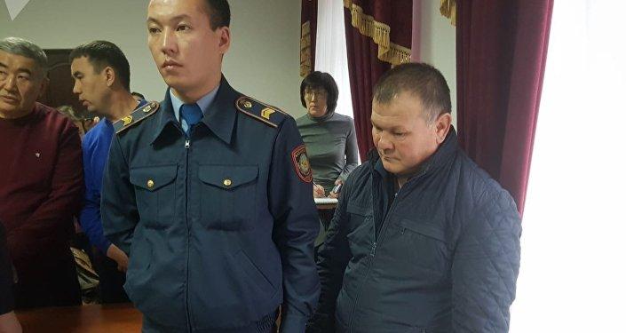 Все трое приговорены к пяти годам лишения свободы. Также им запретили водить транспорт в течение семи лет.