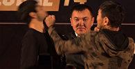Кулаком в лицо — дуэль взглядов перед турниром ММА в Бишкеке. Видео