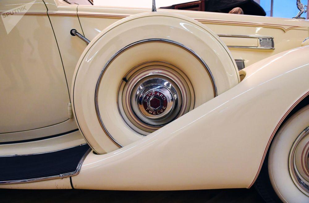 Packard V12 Sedan 1937 года выпуска