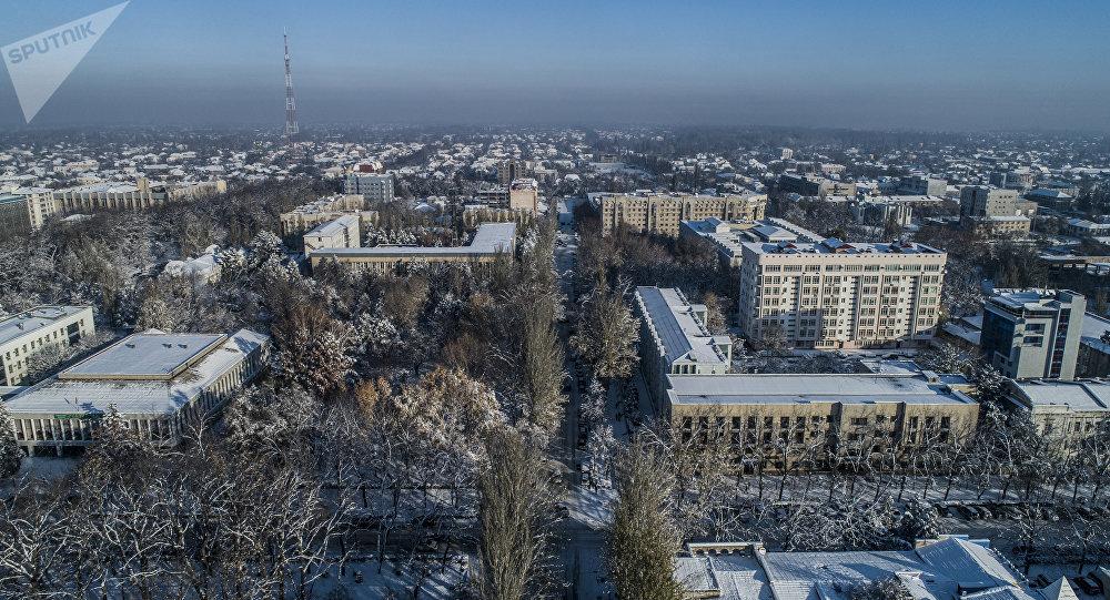 Бишкекте кар. Архивдик сүрөт