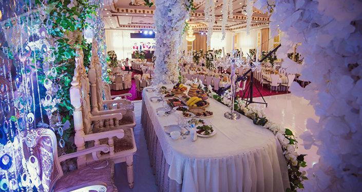 Один из ресторанов Бишкека, где проходит торжество бракосочетания. Архивное фото
