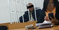Врач, после укола которого скончалась школьница в зале суда Свердловского района Бишкека