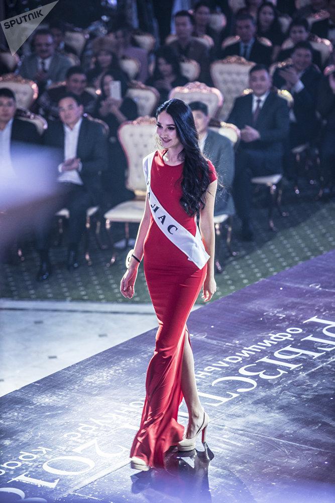 Таластын атынан таанымал модель Шахзада Балтабаева катышты. Ал эл аралык The Face of Central Asia бьюти-сынагынын финалына чыккан.